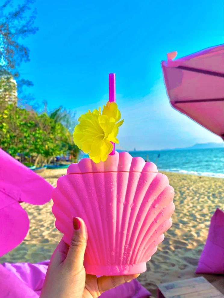 芭提雅粉紅主題沙灘cafe粉紅貝殼